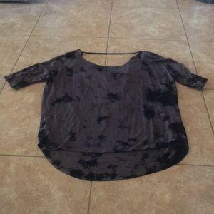 Olive + Oak yoga shirt